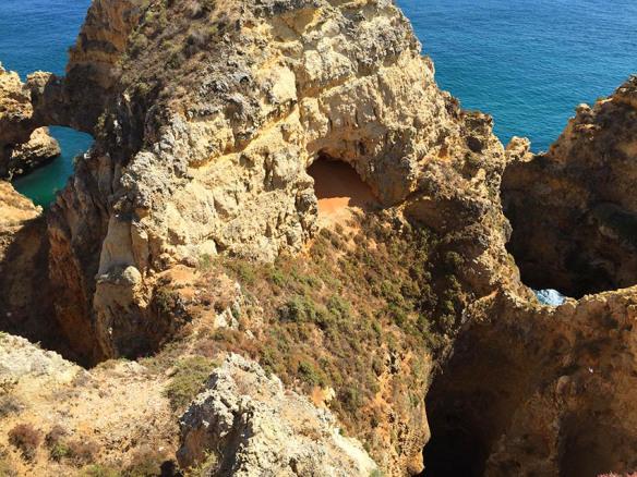 Algarve_Carvoeiro_Cliffs_Marina_Aagaard_blog