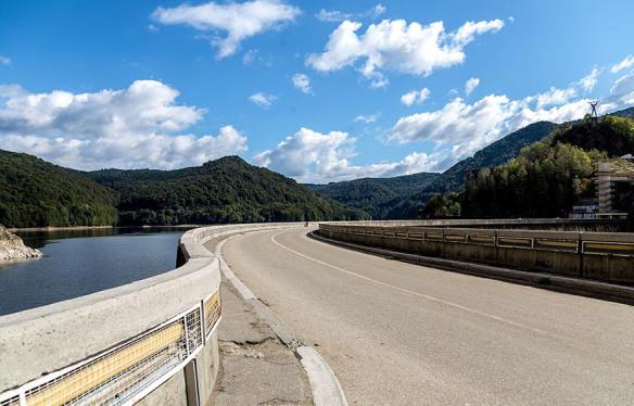 Vidraru_Dam_TransFagarasan_Highway_Romania_Roadtrip_Marina_Aagaard_blog
