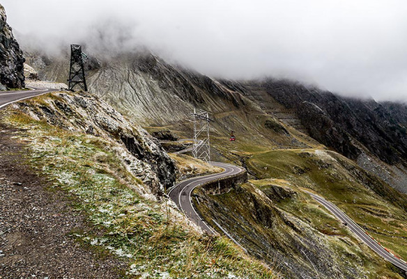 Transfagarasan_Romania_windy_road_fog_Marina_Aagaard_blog_travel