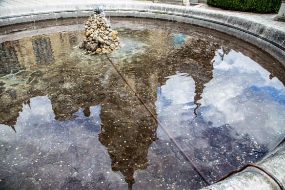 Reflection_pond-Peles-Castle_Sinaia_Romania_Marina_Aagaard_blog