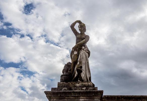 Woman-sculpture-Peles-Castle_Sinaia_Romania_Marina_Aagaard_blog