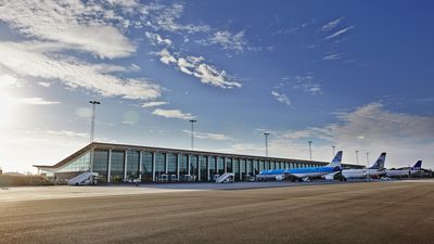 Boeing 777 csm aal forplads fly klm terminalbygning