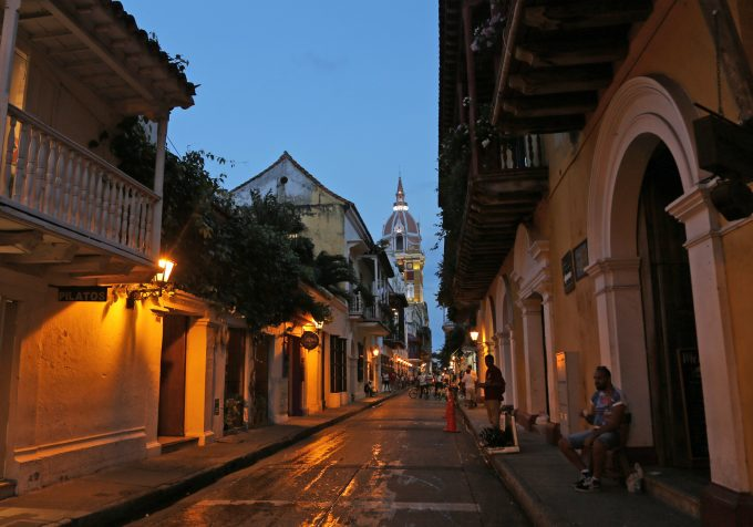 Cartagena_Colombia_bus_Marina_Aagaard_blog_travel