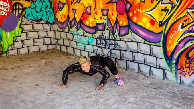 Naturlig bevægelse reptile crawl Marina Aagaard blog fitness