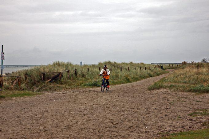Fehmarn_Fall_Beach_bicycling_Marina_Aagaard_blog