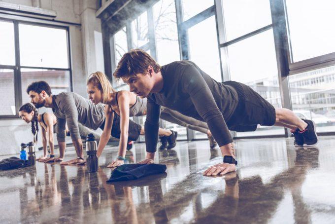 40 Armstrækninger push-up test fitness testning Deposit Photos