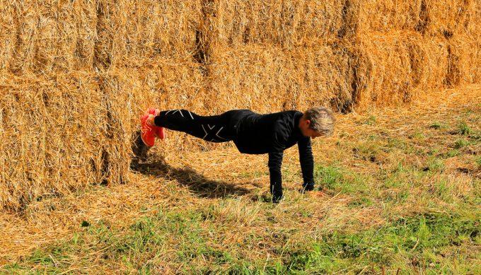 Wall plank horizontal Plank planke core training Marina Aagaard fitness blog