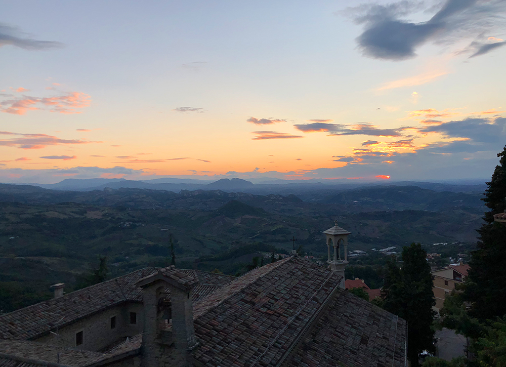 San Marino sunset solnedgang Marina Aagaard blog travel photo rejse foto