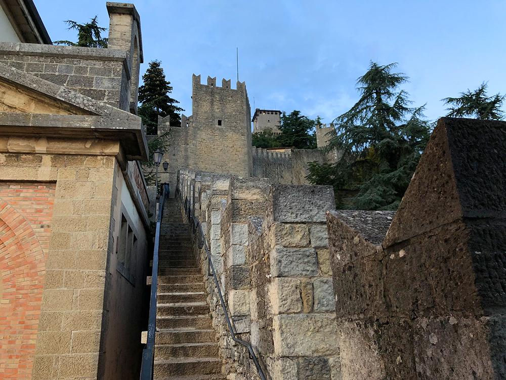 San Marino stairs trapper Marina Aagaard blog travel photo rejse foto