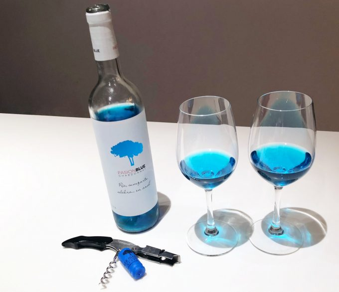 Blue_White_wine_PasionBlue_Marina_Aagaard_blog_Travel_Lifestyle
