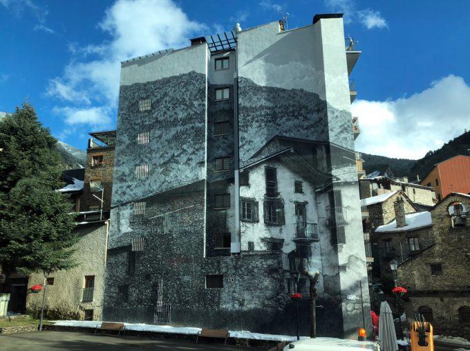 Andorra_la_Vella_mural_Marina_Aagaard_blog_travel