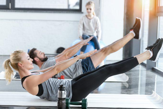 Flad mave fejl fitness Deposit photos
