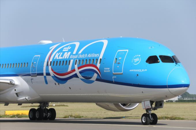 KLM 100 Dreamliner plane