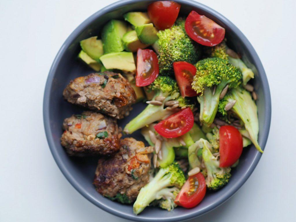 Frikadeller fyldt med grøntsager