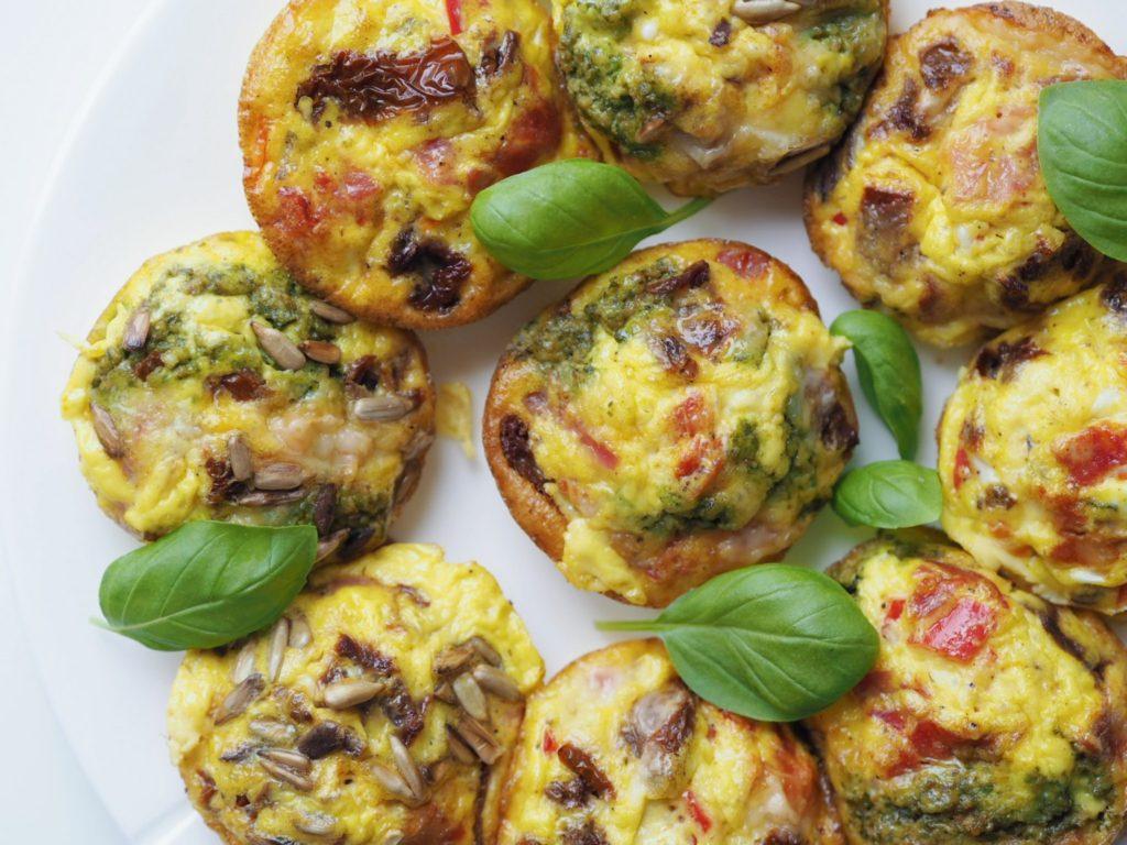 Nemme æggemuffins med grøntsager