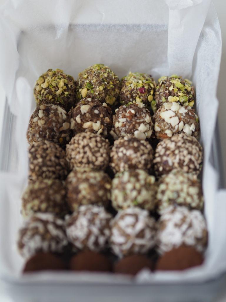 De bedste dadelkugler - krydret med vanilje/kanel