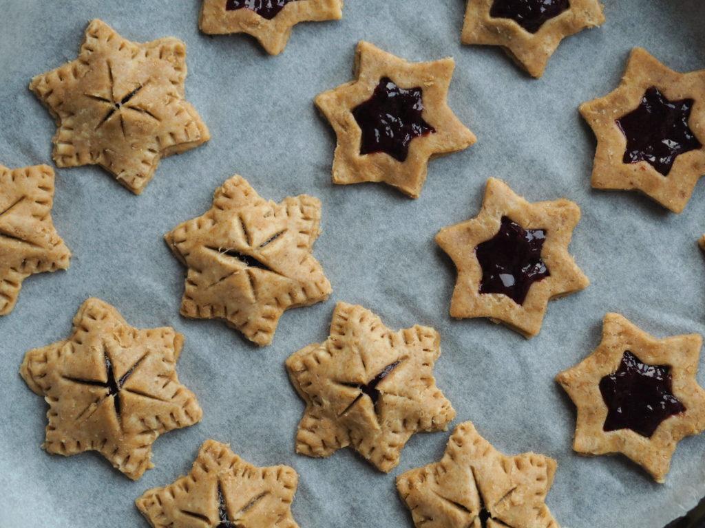 Stjerne tærte med skovbærmarmelade