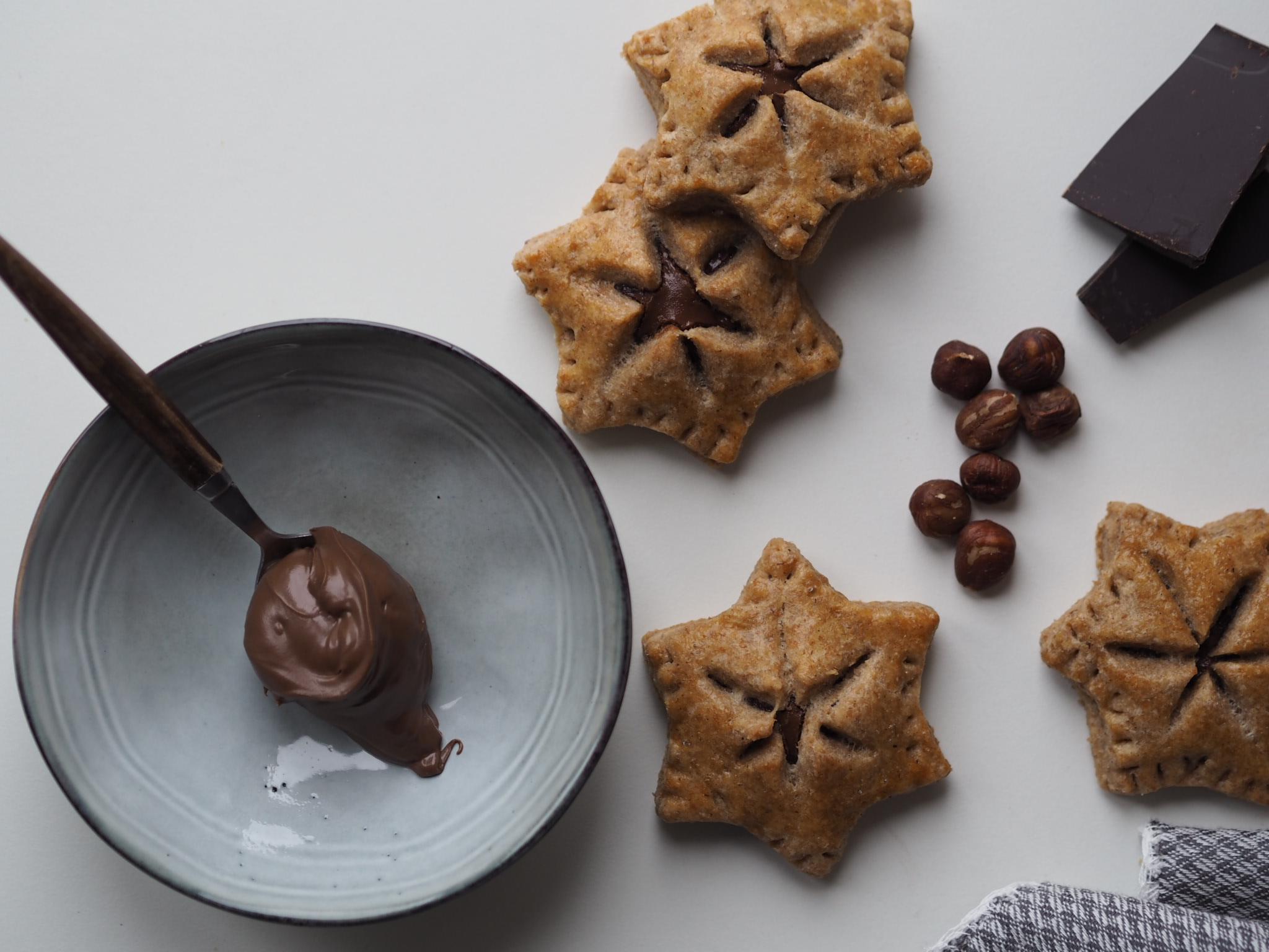 Stjernetærter fyldt med chokonøddecreme