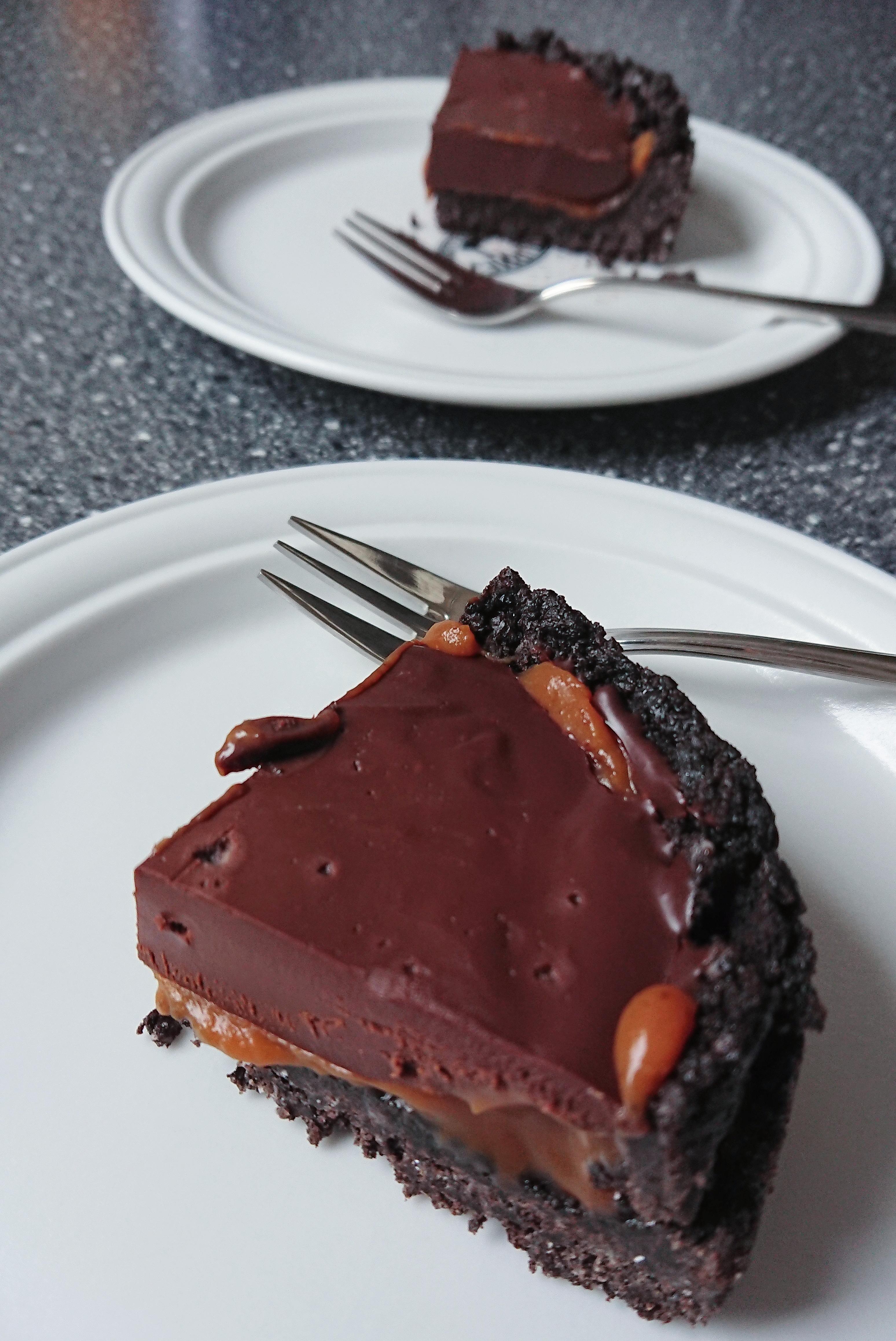 Oreotærte med saltkaramel og chokolade ganache