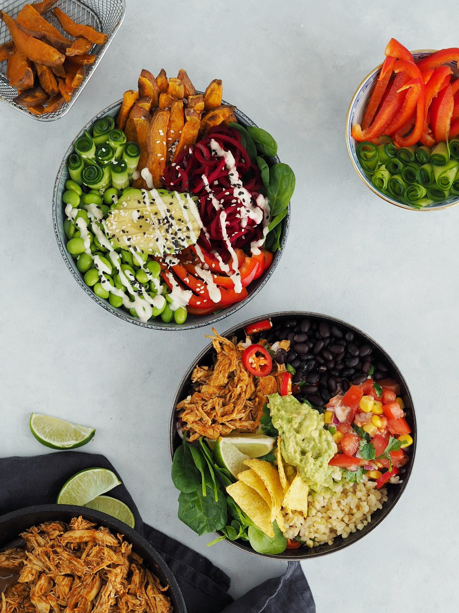 Mexi bowl med pulled chicken, guacamole, tomatsalsa og majschips