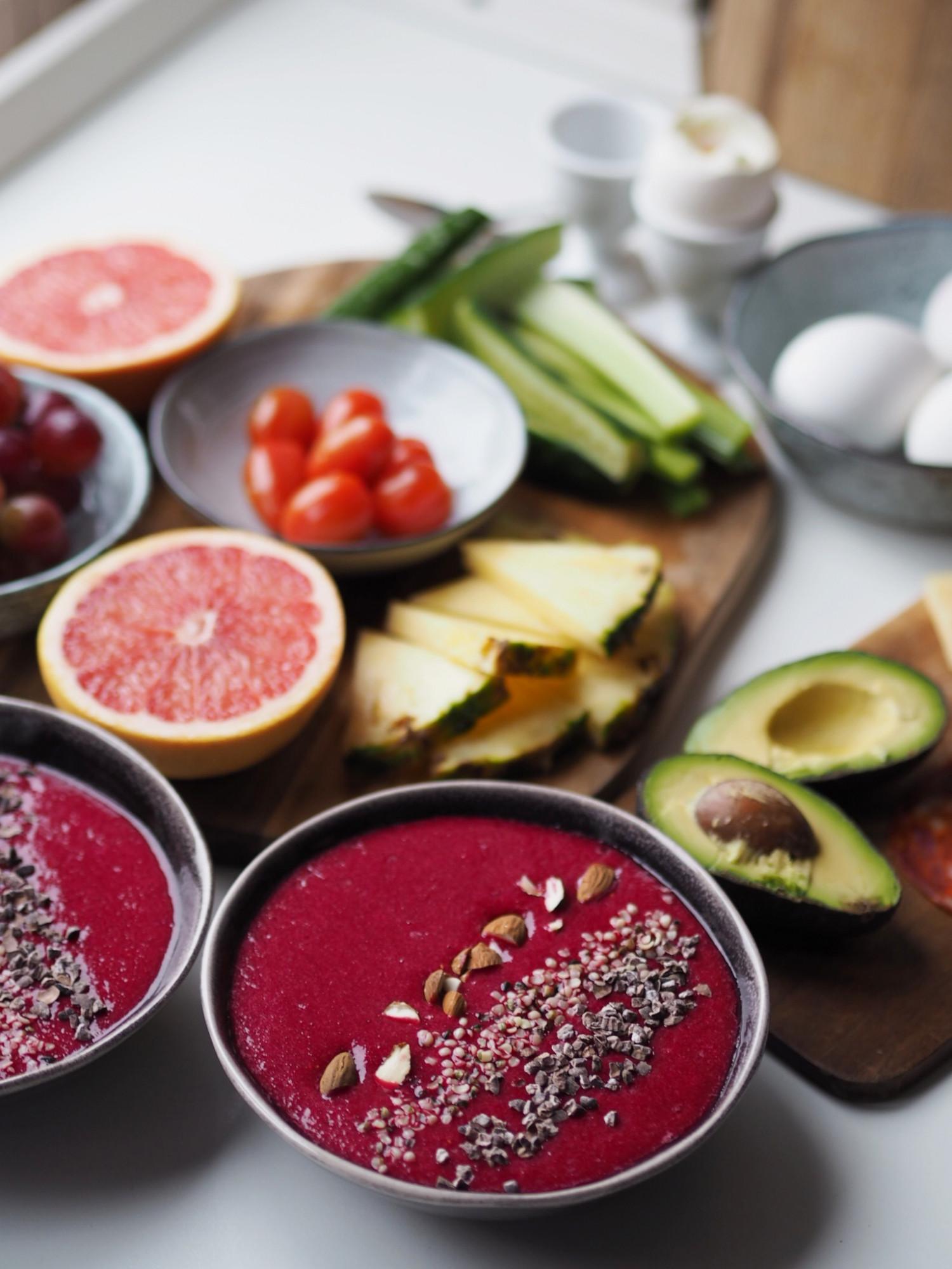 Rødbede smoothie bowl