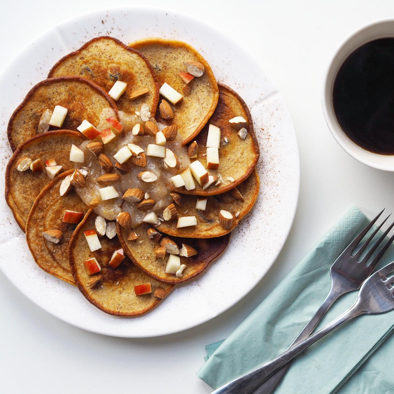 Speltpandekager med banan og gulerod