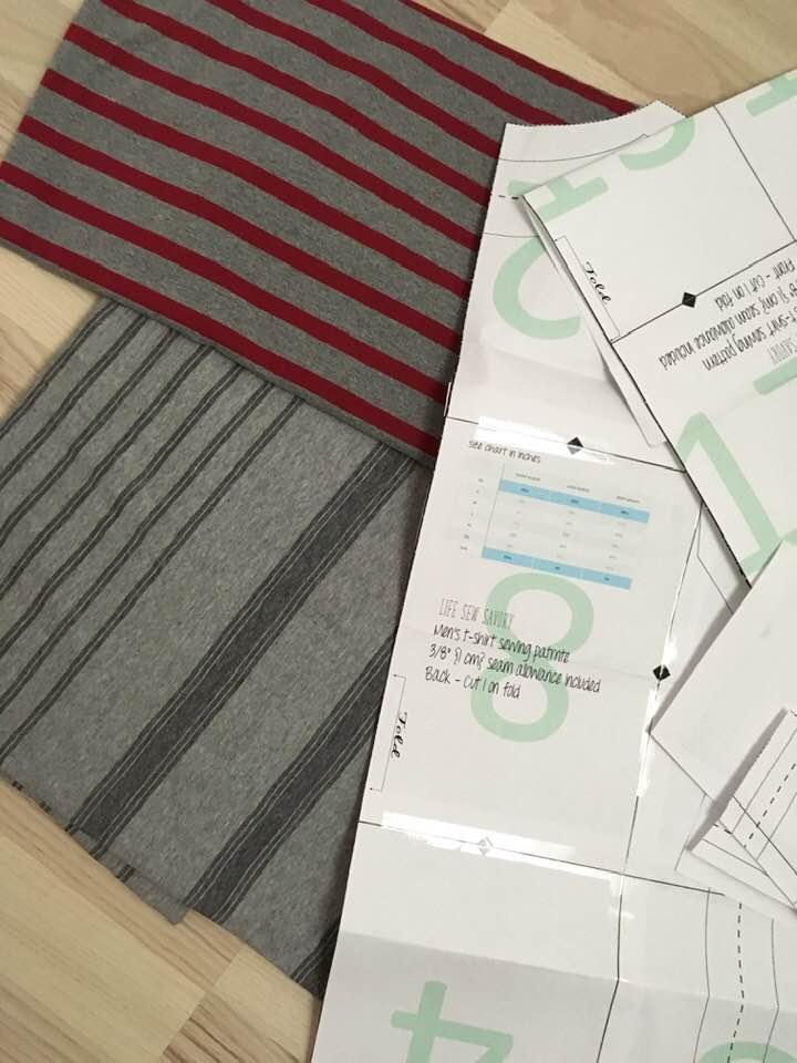 Herre t shirt efter gratis mønster fra Craftsy | Bluser | Sygal