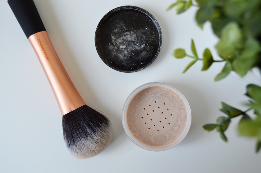 Real Techniques Powder brush 3