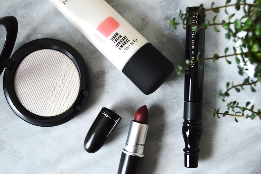 Mac Cosmetics - In The Spotlight
