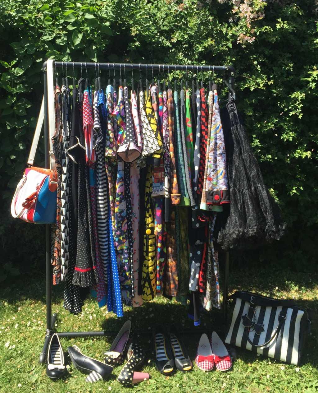 ziito.dk, ziito, tøjstativ, bæredygtighed, vandrør, kjoler, lindybop, dumilde, margot, stativ, Lola Ramona