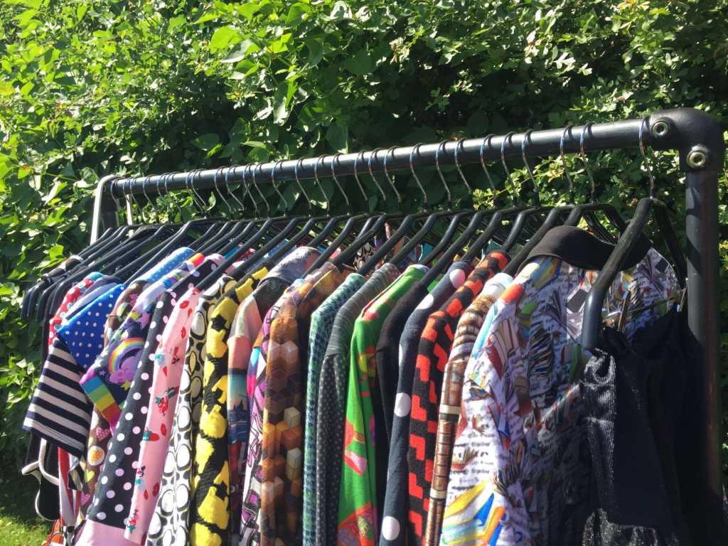 ziito.dk, ziito, tøjstativ, bæredygtighed, vandrør, kjoler, lindybop, dumilde, margot, stativ, Lola Ramona,