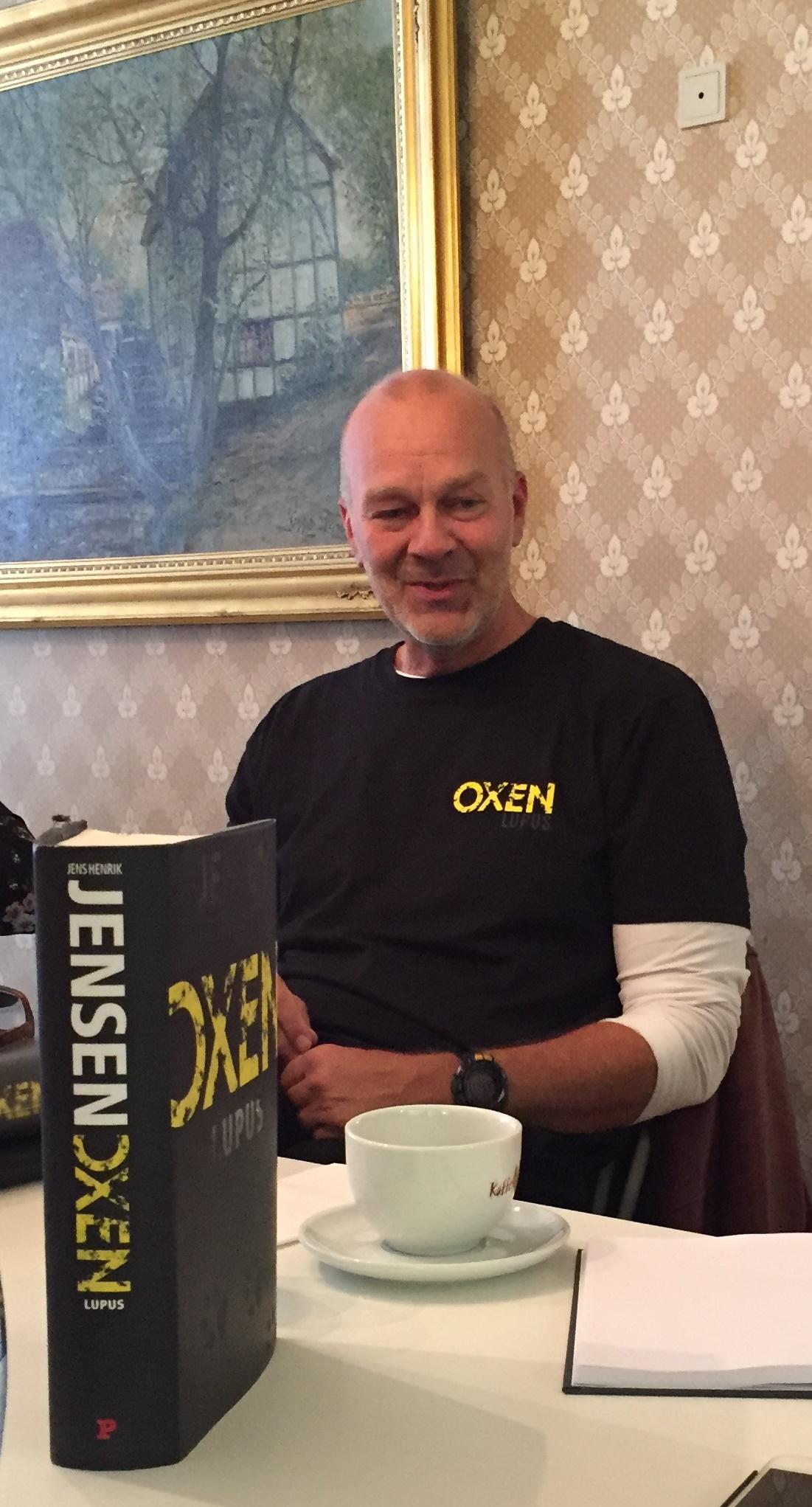 Lupus, Oxen, Jens Henrik Jensen, Niels Oxen, Oxen 4, Politikens Forlag, Anmeldelse, Anmeldereksemplar, Boganmeldelse, Skovmøllen, Bog, Bøger,