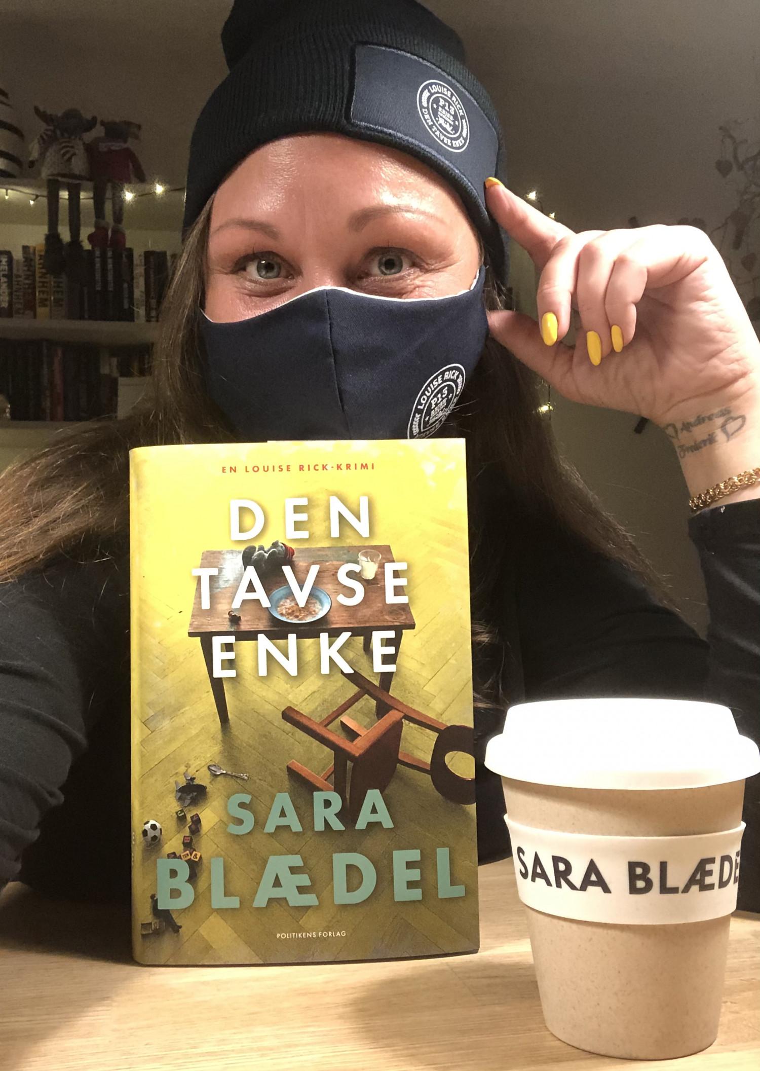 Den tavse enke, Sara Blædel, Politikens Forlag, Den tavse enke af Sara Blædel, Louise Rick, en Louise Rick krimi, krimi, krummeskrummelurer, krummeskrummelurer.dk, boganmeldelse, anbefaling, anmeldereksemplar,