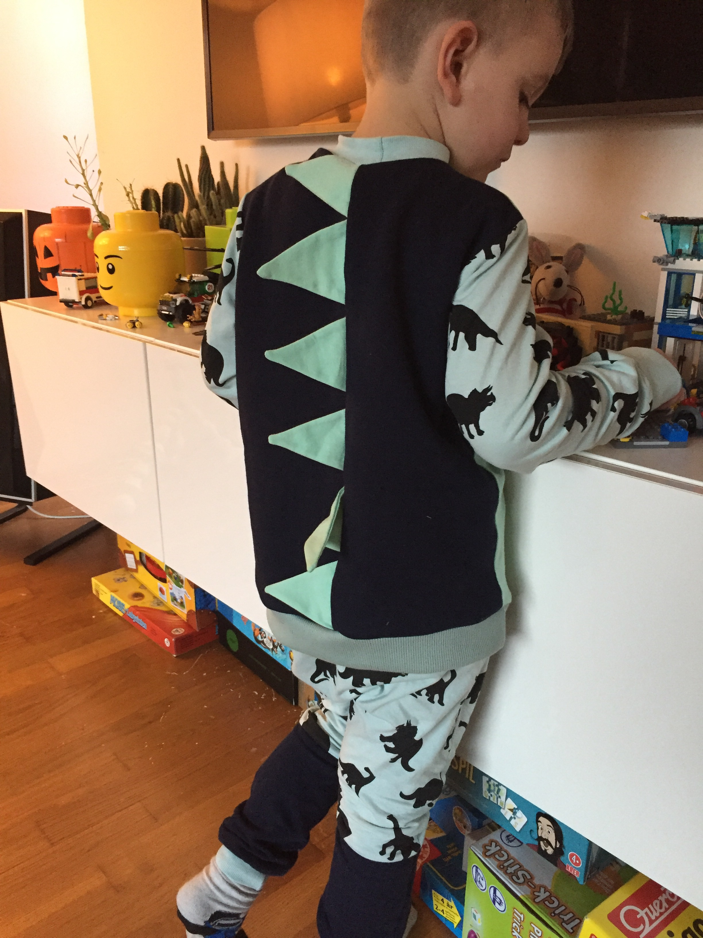 dino bluse