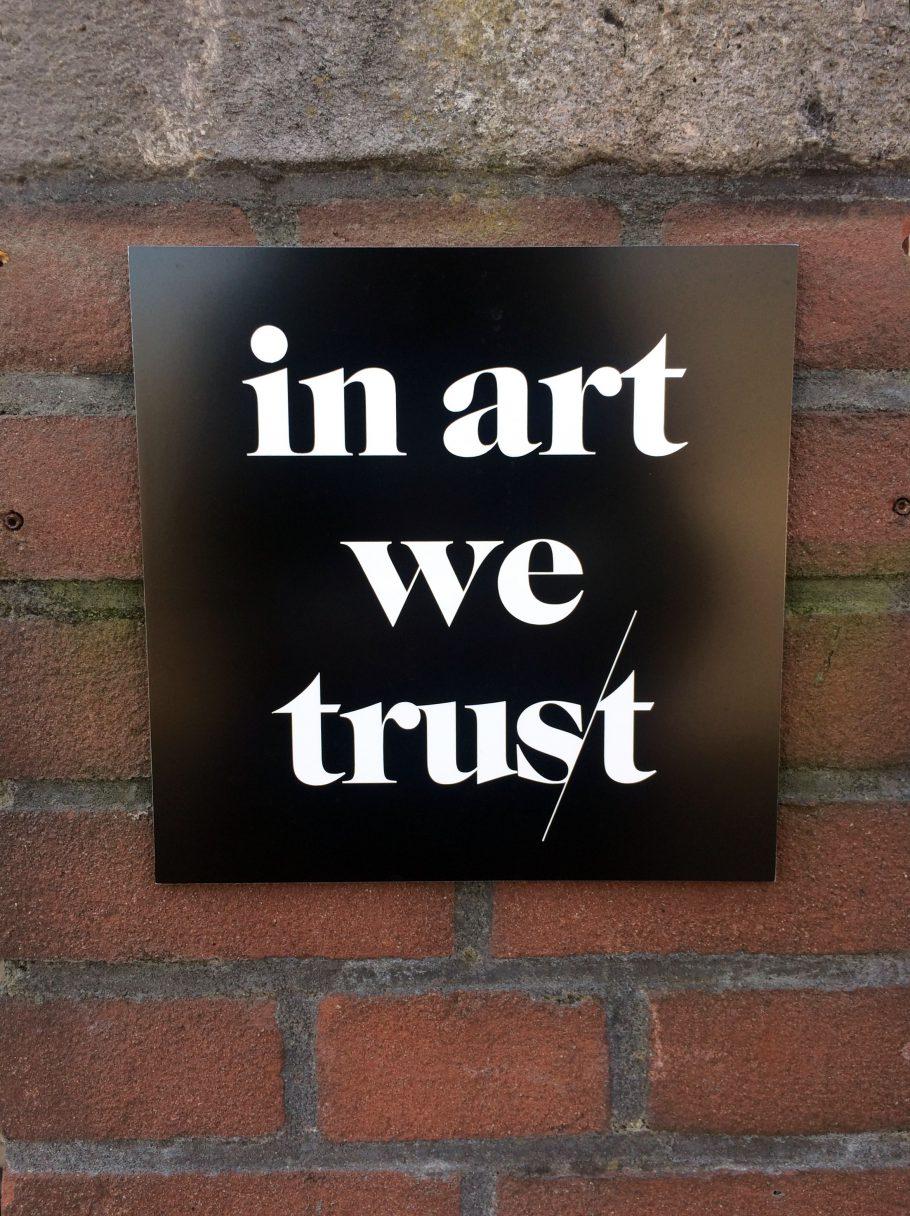 In art we trust MOCO Museum i Amsterdam