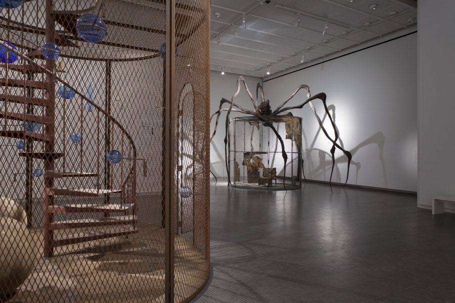 LOUISE BOURGEOIS - Structures of Existence: The Cells. Fotograf: Poul Buchard / Brøndum & Co. ©The Easton Foundation