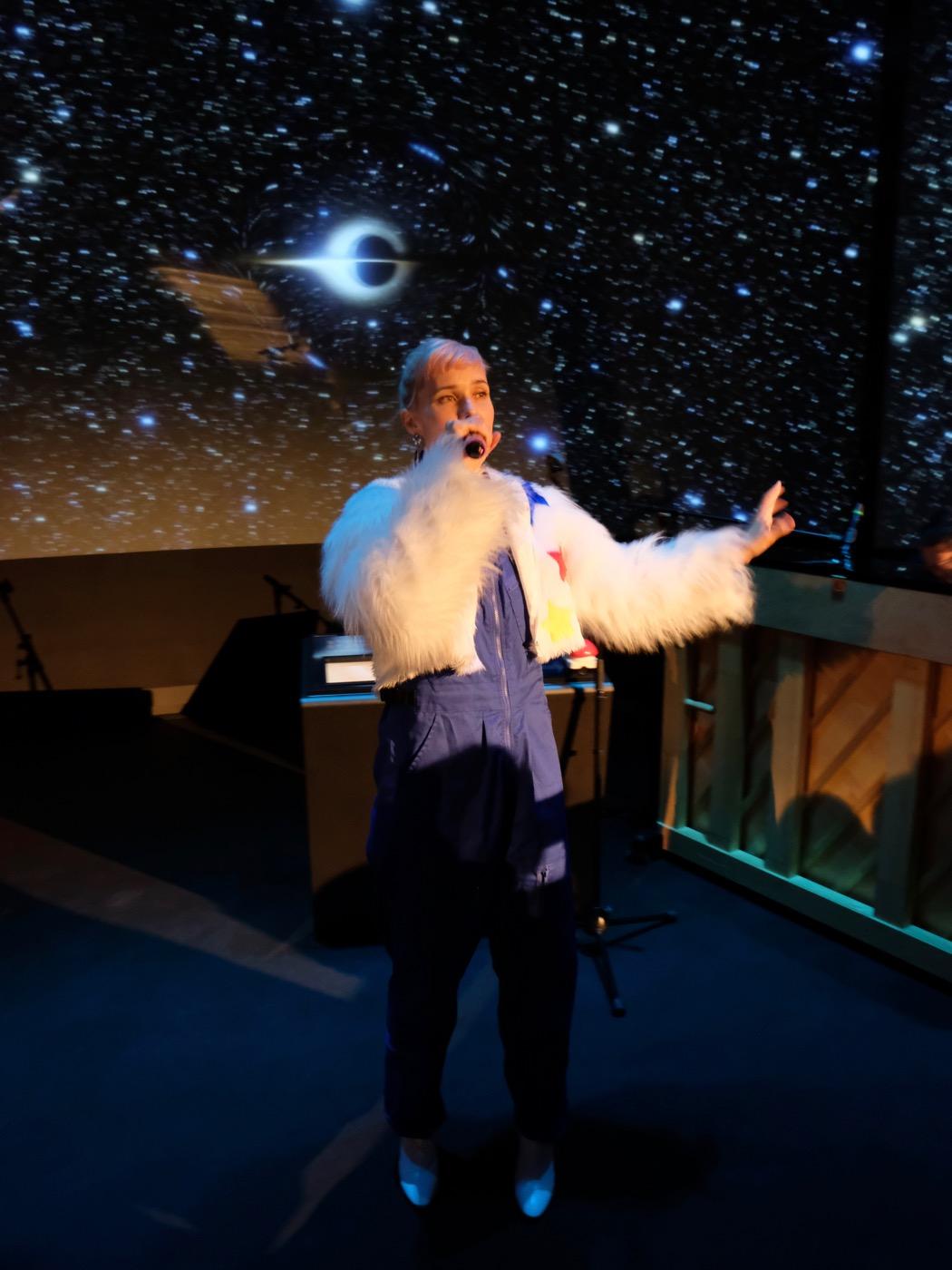 OH LAND Akustisk performance Planetariet 1