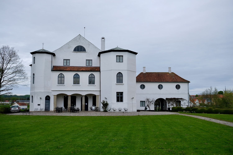 Kunstmuseet Brundlund Slot - Hærvejen
