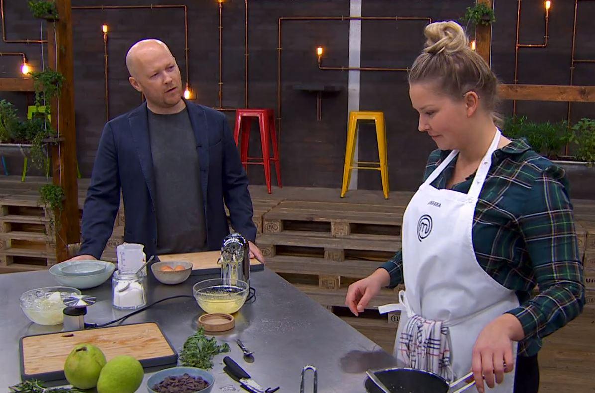 Rebekka Mikkelsen MasterChef 2019 med Jakob Mielcke i køkkenet Foto: TV3