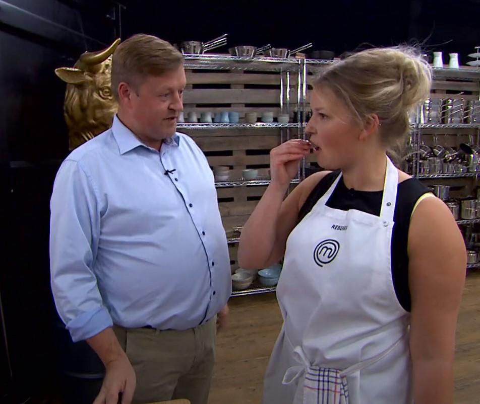 Madblogger Beksemad Rebekka Mikkelsen MasterChef 2019 spiser lardo med Jesper Koch Foto: TV3