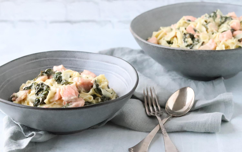 Hjemmelavet pasta med spinat og laks i cremet flødesauce ala Beksemad - Hjemmelavet pasta