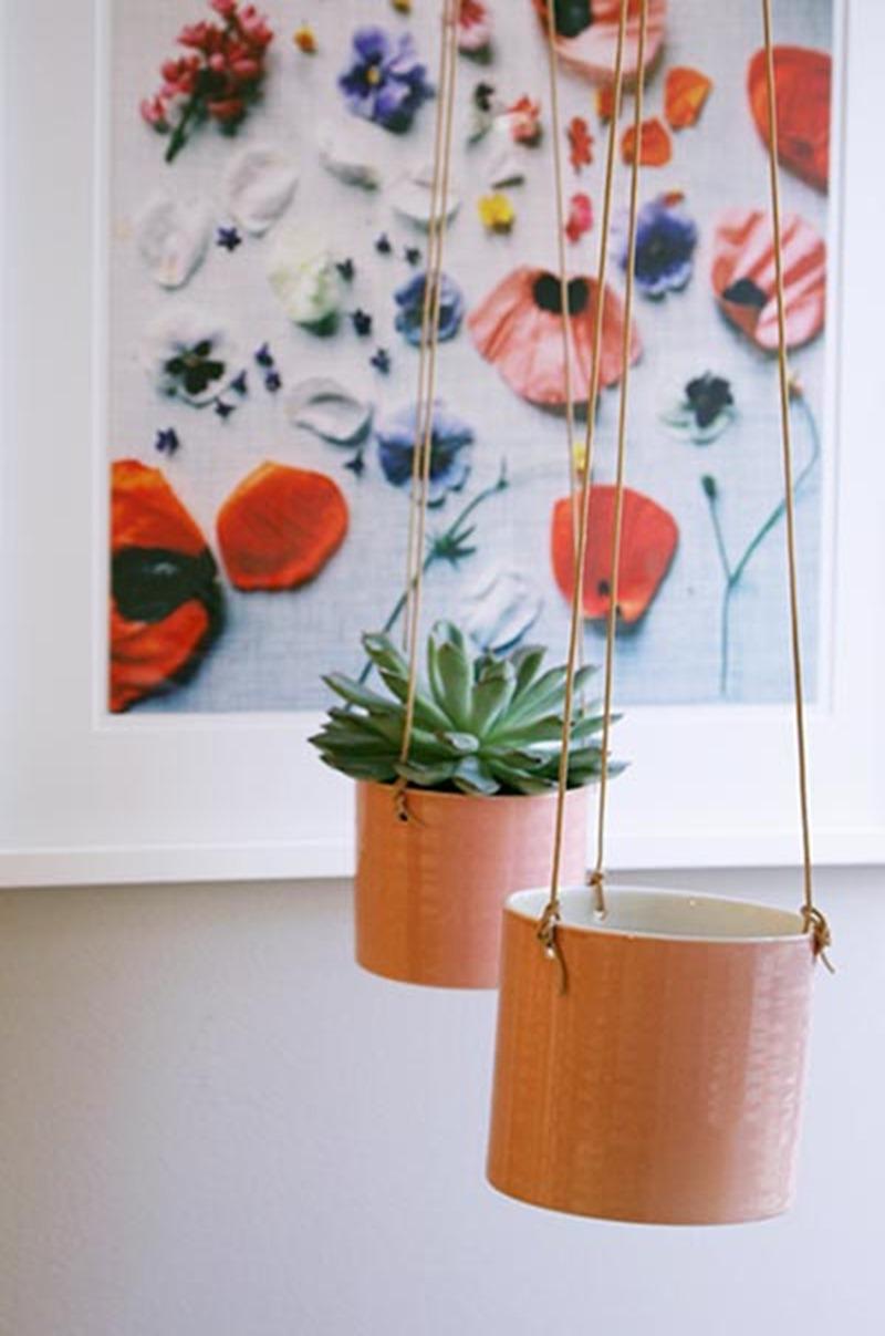 Hanging flowerpots Anne Black foto Stilleben Dorthe Kviste Meltdesignstudio