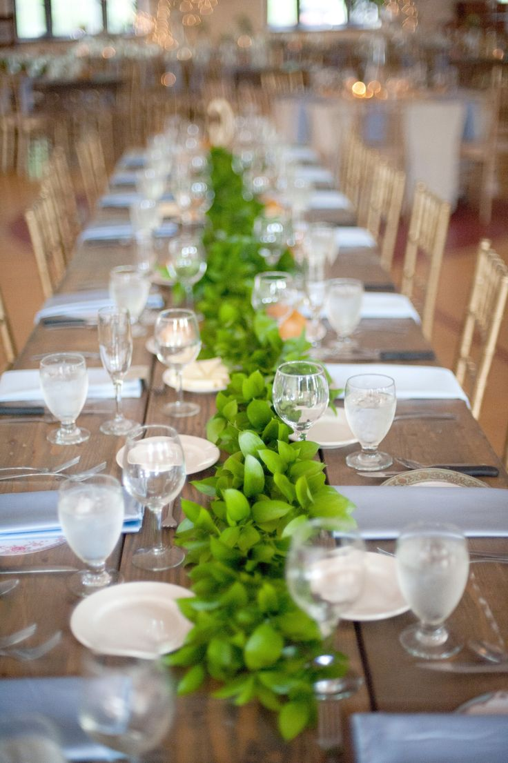 stunning-greenery-wedding-table-runners-22