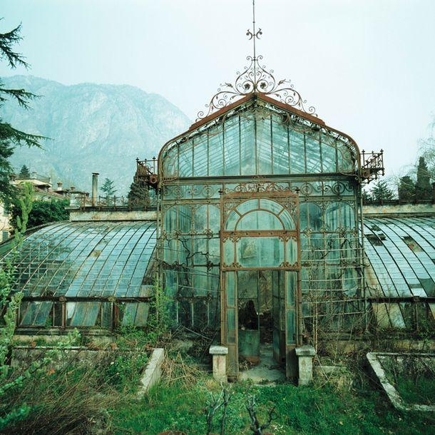 victorian-style-greenhouse-england-travel-pinterest