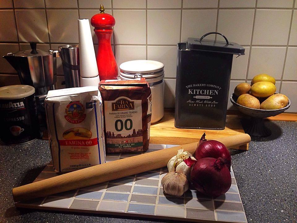 Lidt basisk indkøb for det italienske køkken