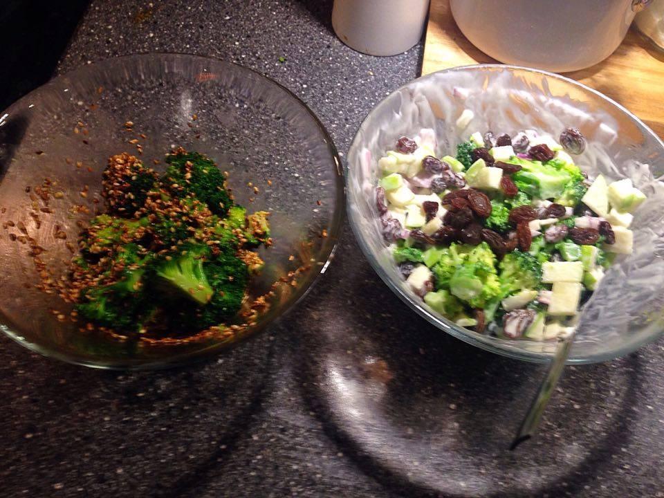 2 x broccoli salater