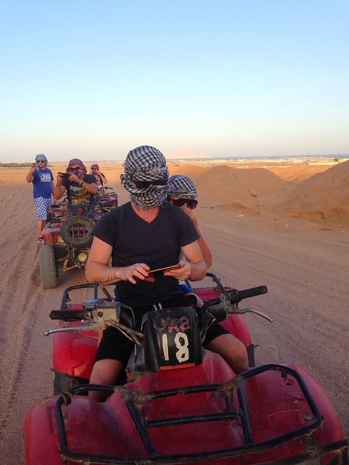 André og Sila på ATV i Sinai ørkenen