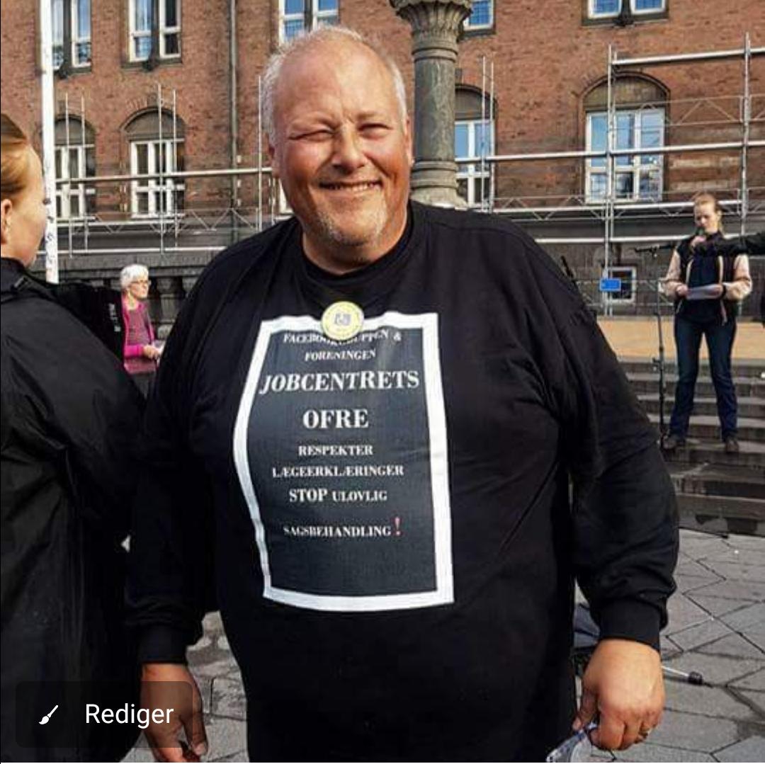 Kim Madsen Samfundsrevser og ivrig debattør på beskæftigelsesområdet. Formand for foreningen Jobcentrets Ofre som kæmper for syge og handicappedes rettigheder. Foreningen blev grundlagt ved et event på Københavns Rådhusplads i 2016. Facebookgruppen Jobcentrets Ofre startede i 2014.