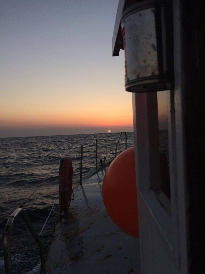 På vej ud af Egå havn