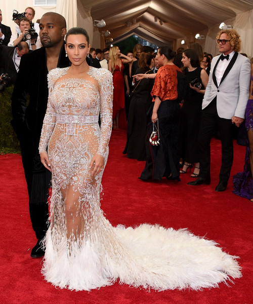 Kim+Kardashian+China+Through+Looking+Glass+j97pQNzC9C1l